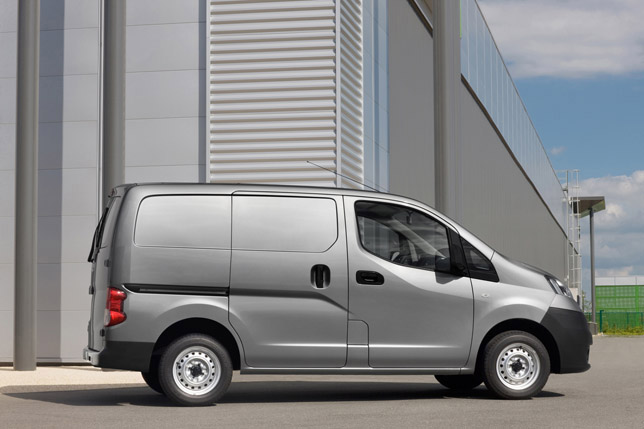 2011 Nisaan NV200 side