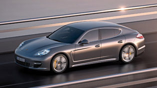 2011 Porsche Panamera Turbo S [video]