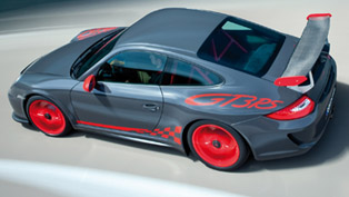 Fifth Gear: BMW M3 E92 GTS vs. Porsche 911 GT3 RS [video]