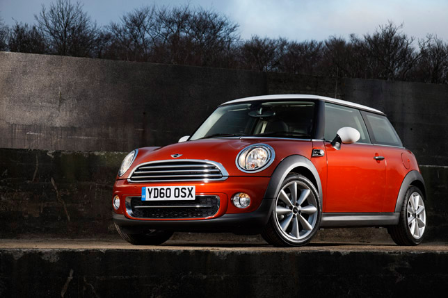 MINI Cooper D FrontSide