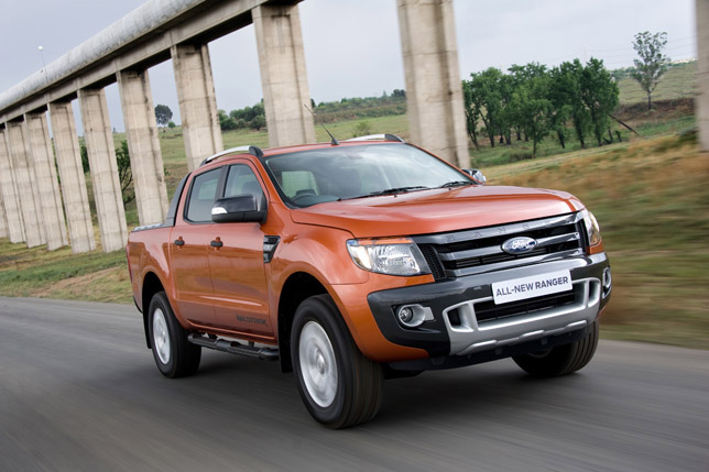 2012 Ford Ranger Amazing!!Ford Ranger pickup truck model 2012 can pass through the water with a depth of up to 800 mm!!