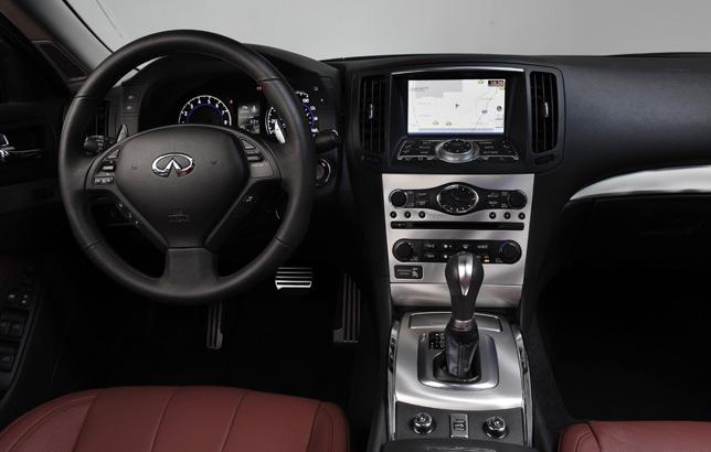 2013 Infiniti IPL G Convertible Interior