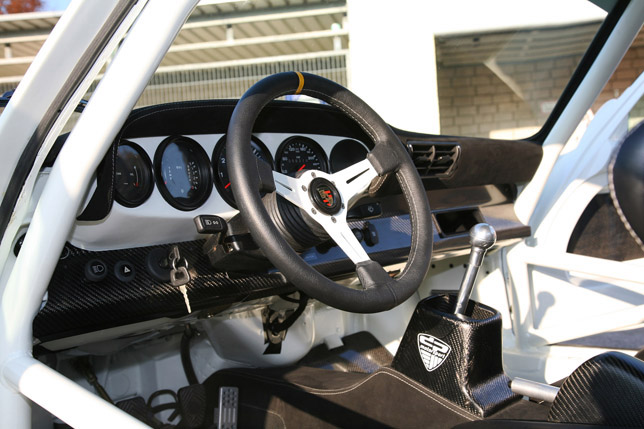 dp Motorsport 1973 Porsche 911 Interior