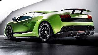 Valentino Balboni drives Lamborghini LP570-4 Superleggera [video]