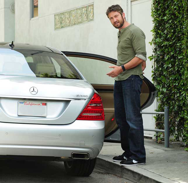 Gerard Butler - Mercedes-Benz S400 HYBRID