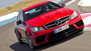 Mercedes C 63 AMG Coupe Black Series at Laguna Seca [video]