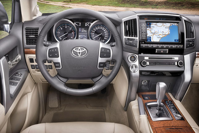 2012 Toyota Land Cruiser V8 Interior