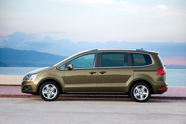 """seat alhambra with the """"best imported mpv"""" award"""
