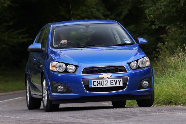 2012-Chevrolet-Aveo-medium
