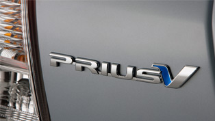 Seven Seat Toyota Prius v for Australia