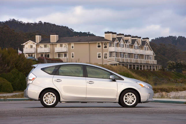 Toyota Prius v (seven seats version)