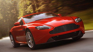 2012 Aston Martin V8 Vantage [HD video]