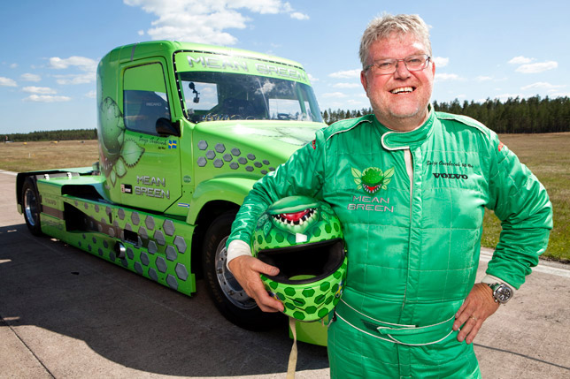 Mean-Green - Volvo Hybrid Truck