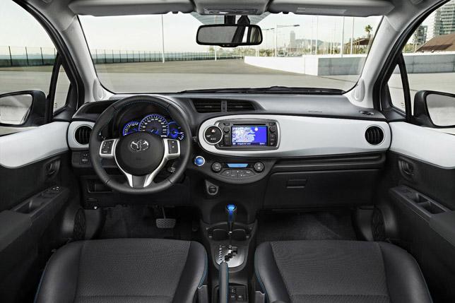 2012 Toyota Yaris Hybrid Interior