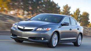 2013 Acura ILX Base Price: $25,900
