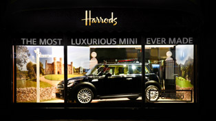 MINI Inspired by Goodwood Behind a Glass Window