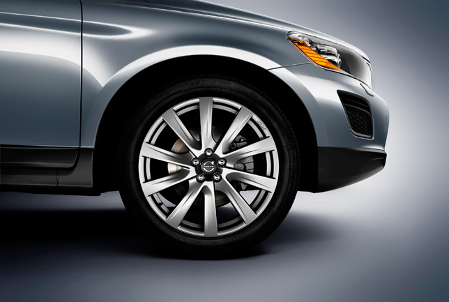 Avior 20-inch wheels on a Volvo XC60 Inscription