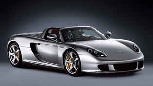 Porsche Carrera GT with straight pipes = BRUTAL Sound! [HD video]