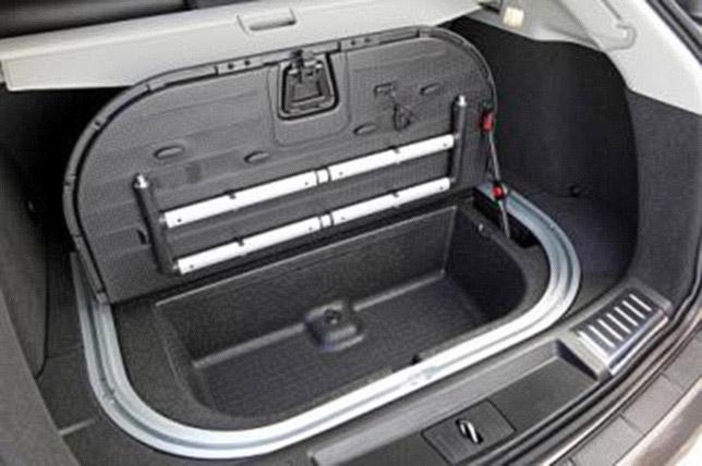 2013 Cadillac SRX's new trunk