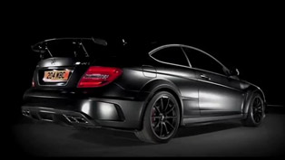 Dark Side of the Mercedes-Benz C63 AMG Black Series [video]
