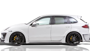 Lumma Porsche Cayenne CLR 558 GT and Trailer