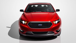 2013 Ford Taurus SHO at the race track [HD video]