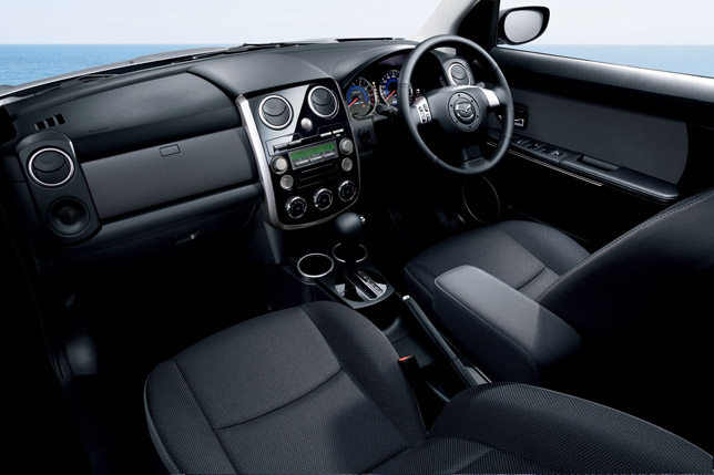 2012 Mazda Verisa Interior