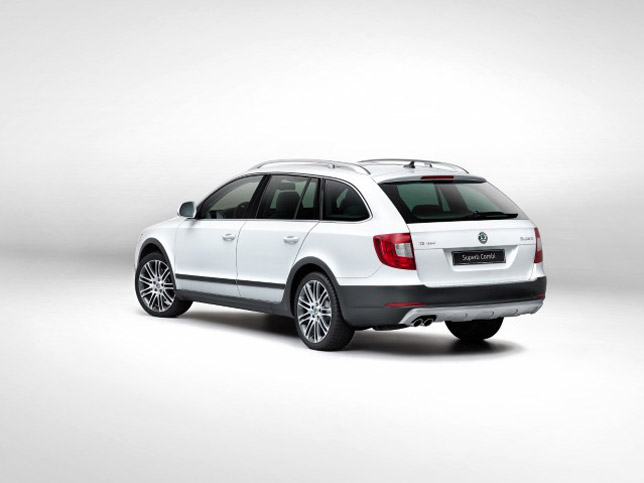 2013 Skoda Superb Combi Outdoor