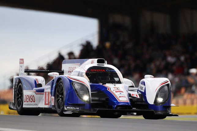 toyota ts030 hybrid at the le mans. Black Bedroom Furniture Sets. Home Design Ideas