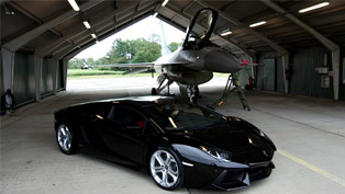 Lamborghini Aventador vs. F16 Fighting Falcon [HD video]