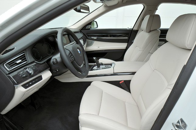 2013 BMW 7 Series Interior