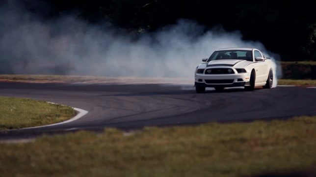 Ford Mustang RTR (2013)