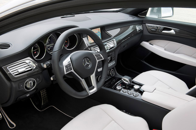 Mercedes-Benz CLS 63 AMG Shooting Brake Interior
