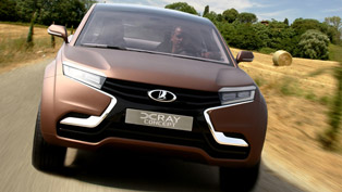 2013 Lada X-Ray Concept World Premiere in Moscow [VIDEO]