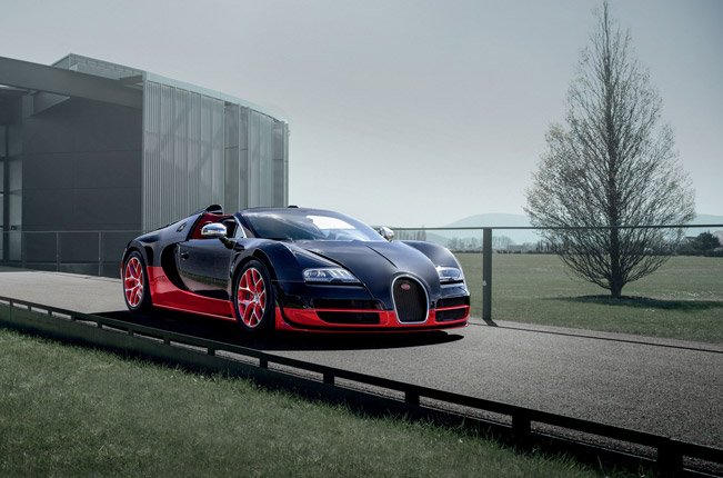 russian premiere for bugatti veyron 16 4 grand sport vitesse roadster. Black Bedroom Furniture Sets. Home Design Ideas