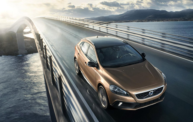 Volvo V40 Cross Country Unveiled