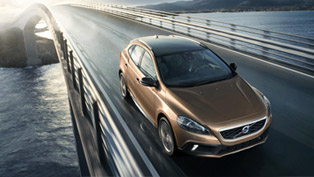 Volvo V40 Cross Country Unveiled!