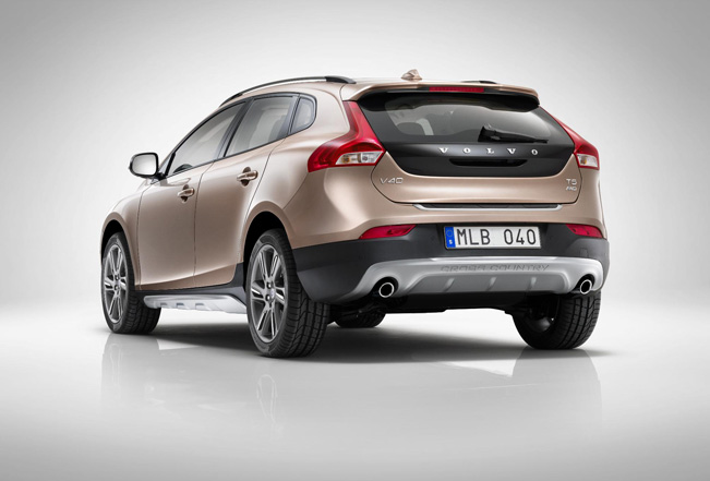 2013 Volvo V40 R Design And Cross Country Pricing 163
