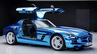 Mercedes-Benz SLS AMG Coupe Electric Drive [video]