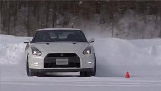 2013 Nissan GT-R Hits The Powder [VIDEO]