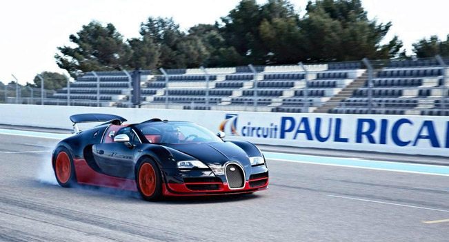 bugatti veyron at the paul ricard circuit. Black Bedroom Furniture Sets. Home Design Ideas