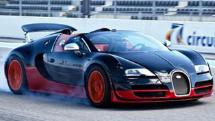 bugatti veyron at the paul ricard circuit