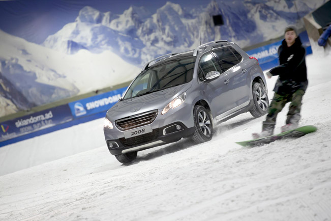 Peugeot-2008-Crossover-at-the-Tamworth-Snowdome-651