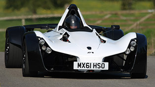 bac mono isn't faster than pagani huayra at top gear's race track