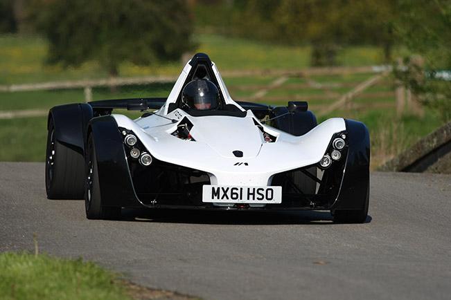 BAC MONO isn't Faster Than Pagani Huayra at Top Gear's Race Track