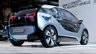 2014 BMW i3 - US Price $42,275