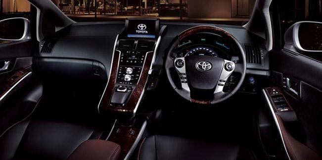 2014-Toyota-Sai-03.jpg