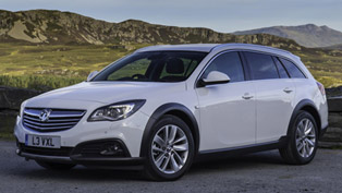 2013 Vauxhall Insignia Country Tourer - Price £25,349