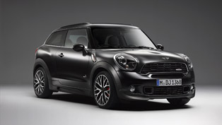 MINI John Cooper Works Paceman With Frozen Black Metallic Paint