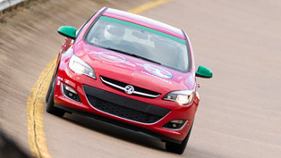 Vauxhall Astra - 18 Speed Endurance Records in 24 hours [video]
